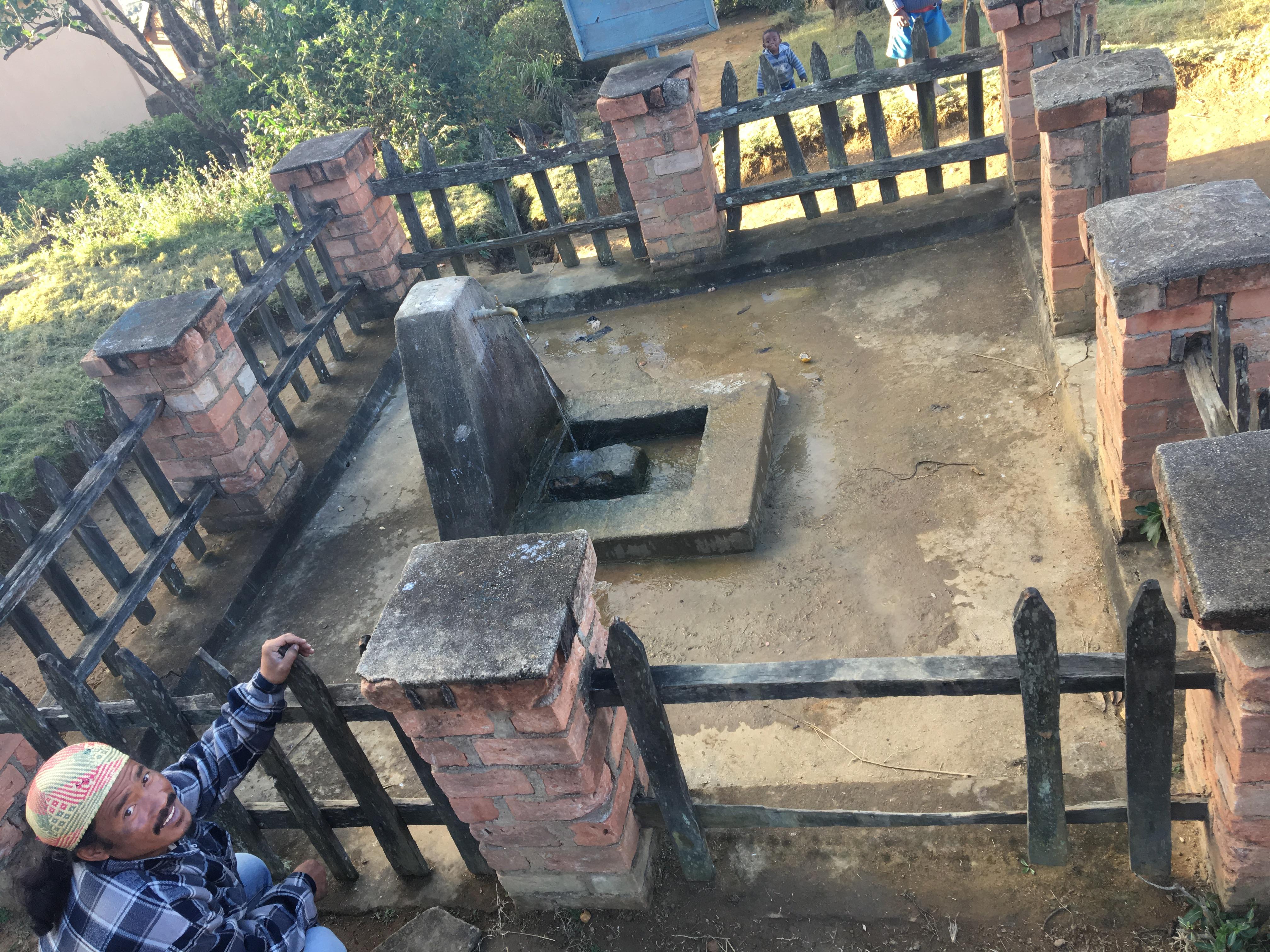 Visite d'un ancien réseau d'eau toujours en fonctionnement.
