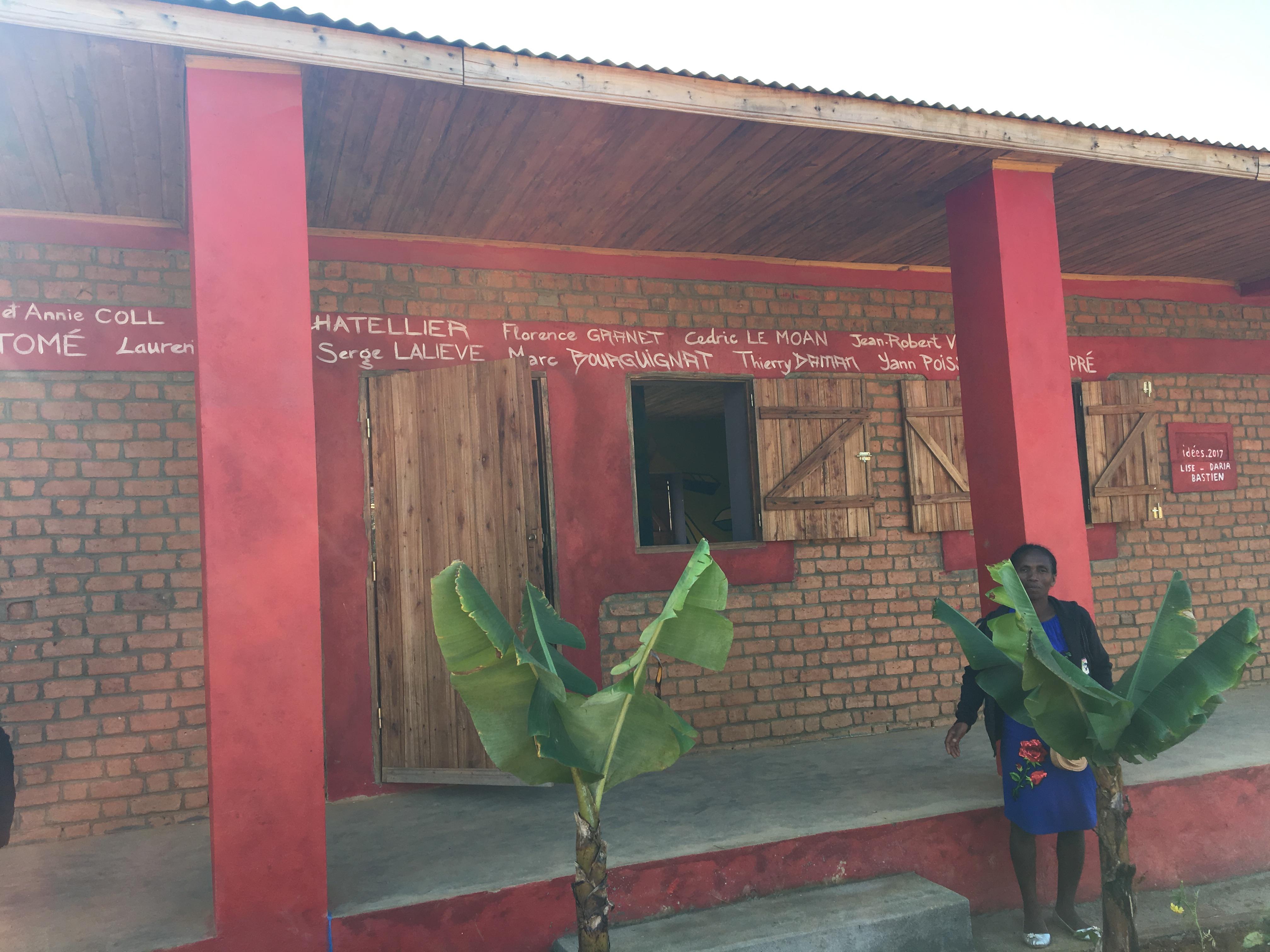 Inauguration de l'école construite en 2017 et peinte en 2018.